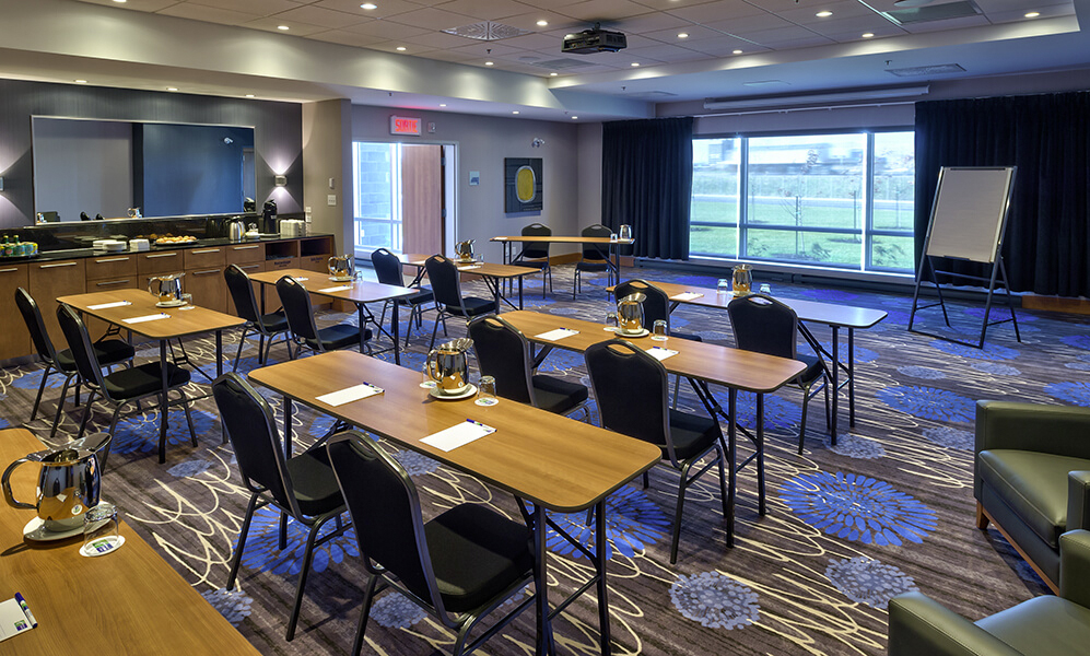 Holiday Inn Express &  Suites Vaudreuil Dorion